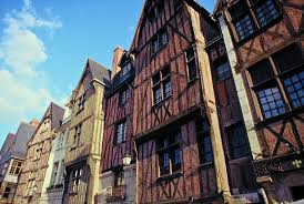 guide to attractions in tours in the loire valley