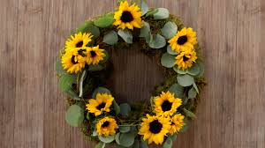 easy diy sunflower wreath southern living