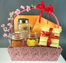 wedding gift singapore 11 best decoration images on gift basket gift basket