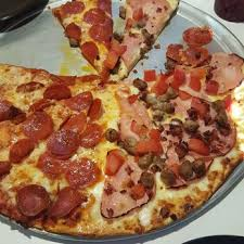 Round Table Pizza Merced Ca Geppetos Pizza 15 Photos U0026 27 Reviews Buffets 37227 Main St