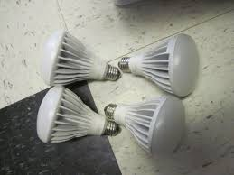sylvania indoor outdoor 15 watt led15br30 dim flood light bulb