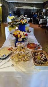 buffet cuisine pin buffet cuisine en pin cool white table cloth and pin fl arrangement