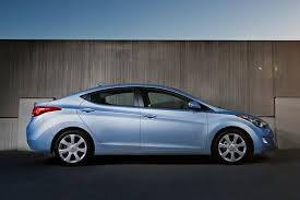 hyundai elantra sedan review 2012 hyundai elantra car review autotrader