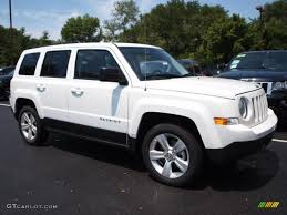 white jeep patriot 2008 2013 bright white jeep patriot latitude 69149754 photo 2