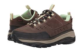 Montana best travel shoes images Best hiking shoes and boots for women travel leisure jpg