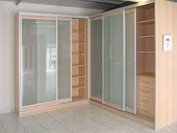 comment poser une porte de chambre installer porte de placard poser des portes de placard battantes
