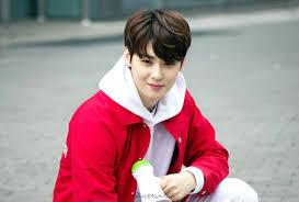 astro u0027s eunwoo goes viral among korean women for his good looks