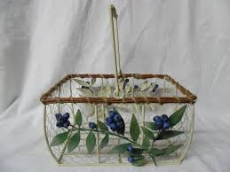Shabby Chic Wire Basket by 158 Best Wire Baskets Images On Pinterest Wire Baskets Handle
