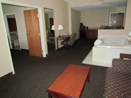 Comfort Inn Houghton Lake King Jacuzzi Room Picture Of Lakeside Resort And Conference
