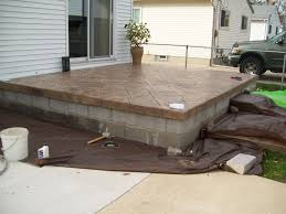 is there a concrete stain to use on concrete or quikwall that will