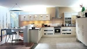 modele de cuisine ouverte sur salon modele cuisine en u beautiful separation cuisine americaine et