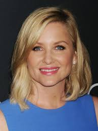 does kate capshaw have naturally curly hair celebrity lookalikes amy poehler and jessica capshaw