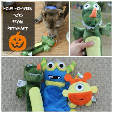 halloween dog treats petsmart howl o ween toys treats and costumes livin u0027 the mommy life