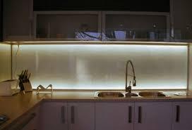 plaque en verre pour cuisine credence cuisine verre crdence en verre et pratique en 20