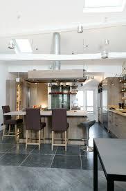 cuisine a et z cuisine en chêne grey et de bourgogne une réalisation