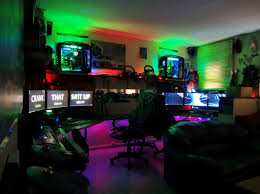 Cool Room Setups Plain Computer Gaming Room Stations 17 Rooms Any For Inspiration