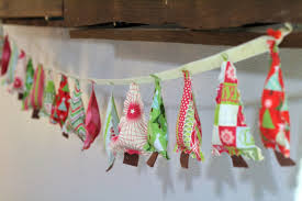 Decoration For Christmas Wall by Christmas Tree Garland So Sew Easy