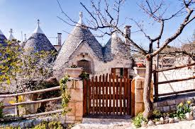 Italy Houses I Sette Coni Trullo Edera Houses For Rent In Ostuni Brindisi