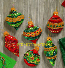 bucilla glitzy ornaments 6 pce felt ornament kit