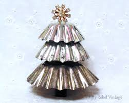repurposed christmas tart tin tree thrifty rebel vintage