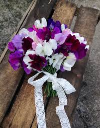 wedding flowers july july seasonal wedding flowers sweet peas the shed