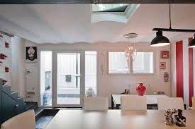 entree en cuisine cuisine a l entree d une maison une verri re d int rieur pour