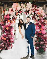 wedding arch balloons 4 coolest 2018 wedding trends to try weddingomania