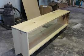 Diy Wood Storage Bench by Dave Tells Us How To Build A Bench With Shoe Storage