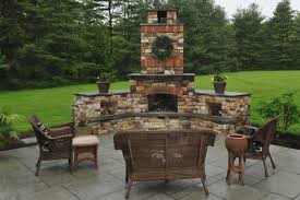 Backyard Fireplace Ideas Best 25 Outdoor Fireplace Patio Ideas On Pinterest Diy Outdoor For