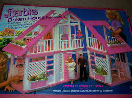 i had this barbie dream house and it was the best thing ever to me