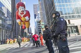 macy s thanksgiving parade revels on amid tight security sfgate