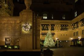 chicago tree lighting 2017 waldorf astoria chicago s holiday tree lighting splash