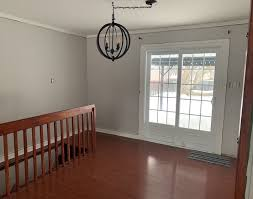 what paint color goes best with cherry wood cabinets reddish laminate floors what wall color will work laurel