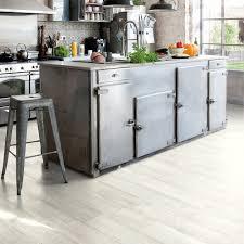 choisir cuisiniste où trouver un sol vinyle pour la cuisine