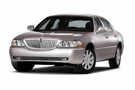 Old Lincoln Town Car No Clear Successor To Town Car And Crown Vic In Fleets