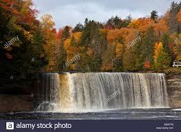 upper tahquamenon falls fall foliage color newberry