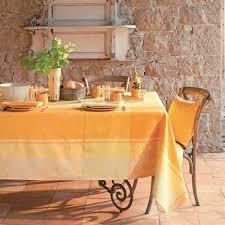 nappe ronde tissu enduit nappes enduites de qualité jaune campagne champetre