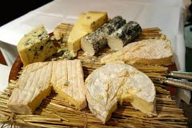 cuisine au bois 食べ放題のチーズ picture of a la biche au bois tripadvisor
