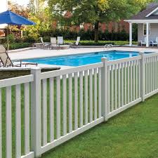 Backyard Fence Styles by Best 25 Vinyl Fencing Ideas On Pinterest Privacy Fence