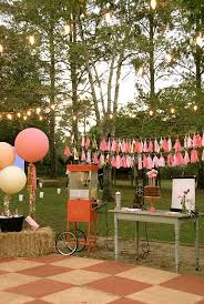 Backyard Sweet 16 Party Ideas Best 25 Outdoor Movie Party Ideas On Pinterest Backyard Movie