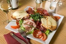 cuisine ch ti salade savoyarde picture of ch ti charivari lomme tripadvisor