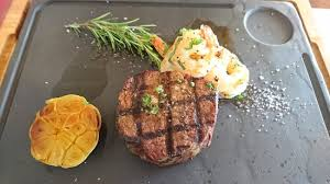 msa cuisine premium msa tenderloin 200g with king prawns in garlic butter