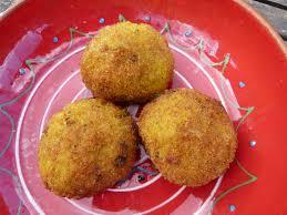 cuisine sicilienne arancini les arancini les boulettes de riz à la viande siciliennes gourmicom