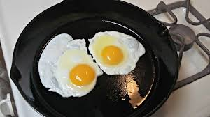 Cast Iron Cooking Cast Iron Cooking Non Stick Fried Eggs Youtube