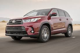 toyota awd cars 2017 toyota highlander se awd first test ken shaw toyota