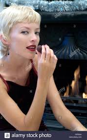 black girl earrings hair lipstick wearing black earrings
