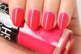 manicure monday maybelline color show in pink shock 200 from