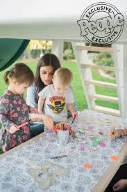 tiffani thiessen u0027s tips for hosting kid friendly outdoor party
