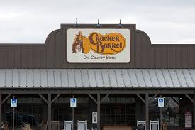 golden corral cracker barrel hours restaurants open on