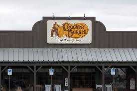 golden corral cracker barrel hours restaurants open on